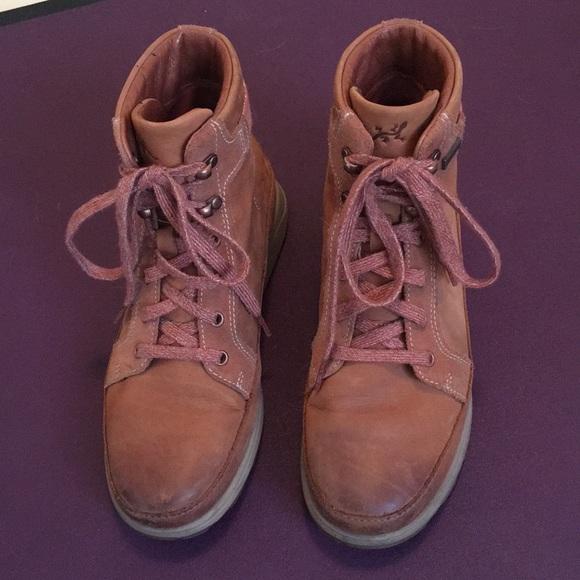 f2de93f5779 Chaco Women's Sierra Waterproof Boots